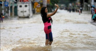 Flood Selfie